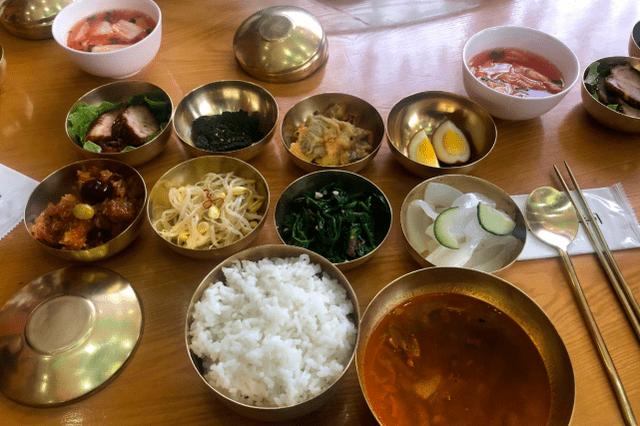 走进朝鲜,在朝鲜吃饭是啥体验?