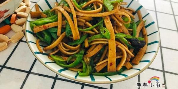 天热不是清淡饮食才下饭开胃,搭配好荤菜也能多吃一碗饭