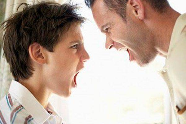 孩子总爱顶嘴,家长别硬杠,反着来让孩子更听话