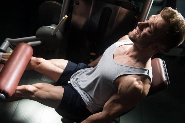 健身不能不练腿!一组练腿动作,简单粗暴,帮你增肌减脂强壮下肢