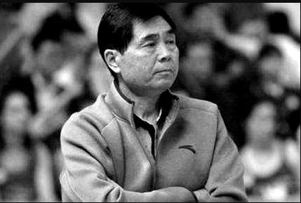 功勋教练马连保去世 苏群:他是中国男篮的骄傲