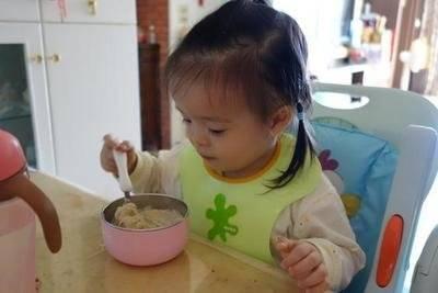 儿科医生:牛奶是个好东西,娃经常喝,孩子肠胃好不积食,体质强