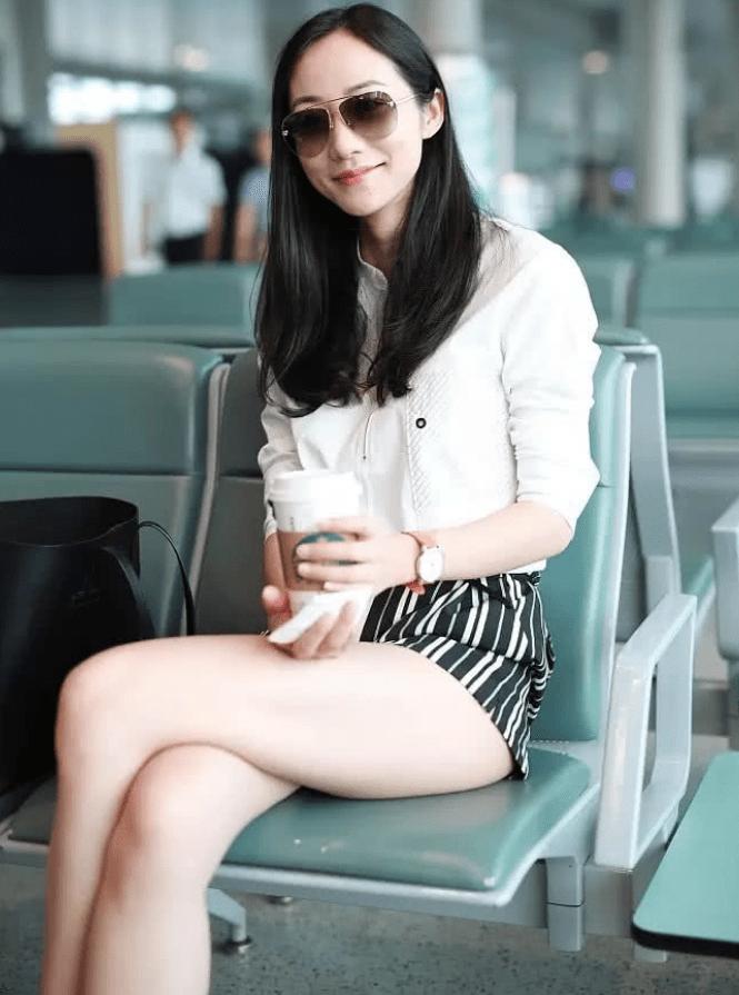 """原创             37岁韩雪的""""衣架腿""""太省事了!完全不需要用PS,摄影师抢着给她拍照"""