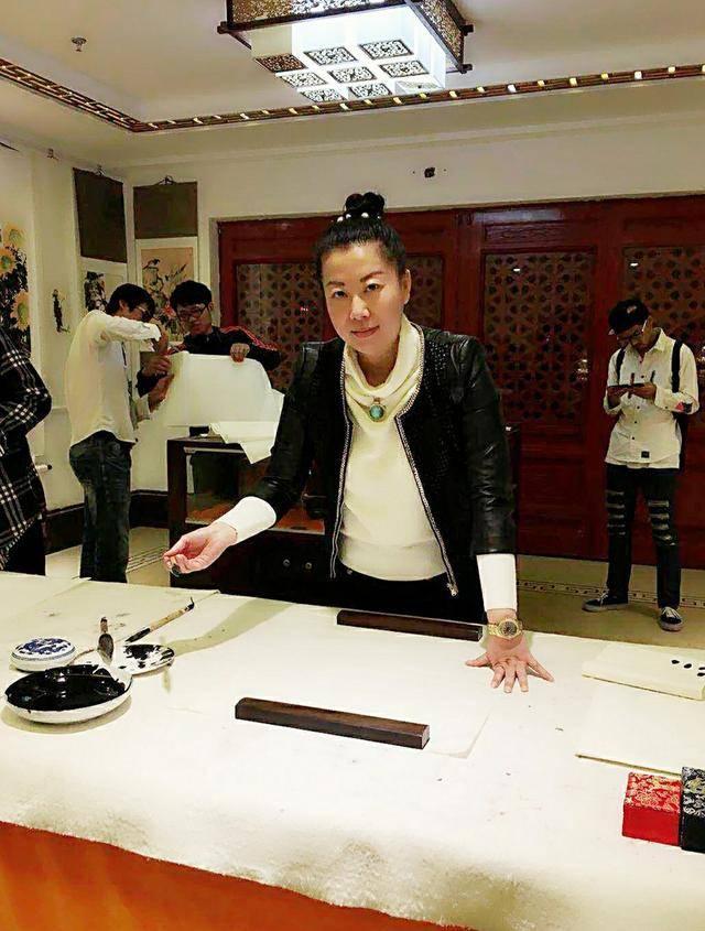 全民艺术家|北京中国书画协会理事、青年女书画家张菲菲女士