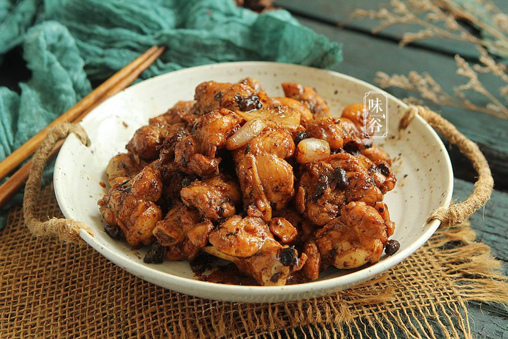 鸡肉这样做味道才够香,学会这个广东做法,鲜香入味,每次都光盘