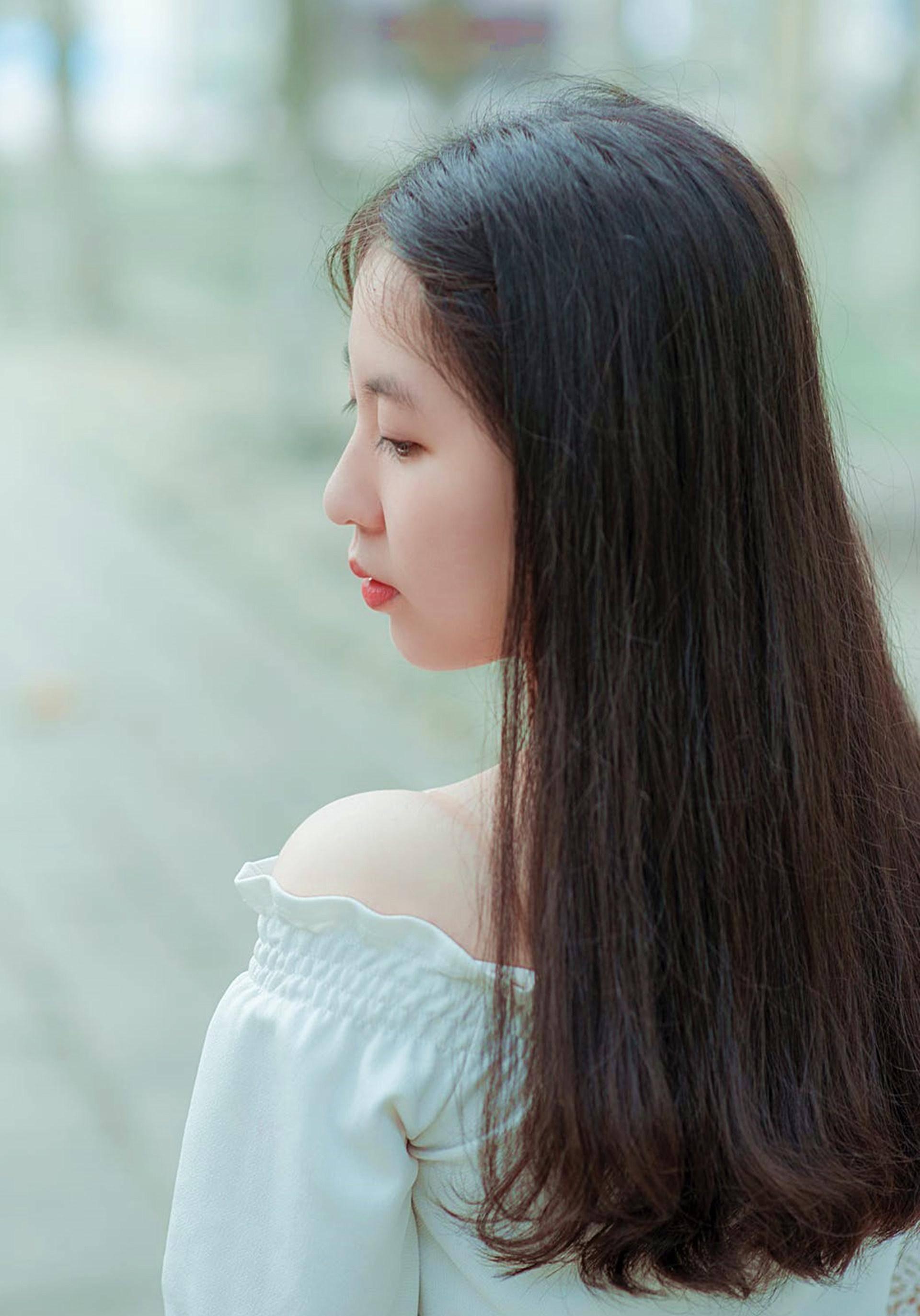 女生头像背影长发唯美