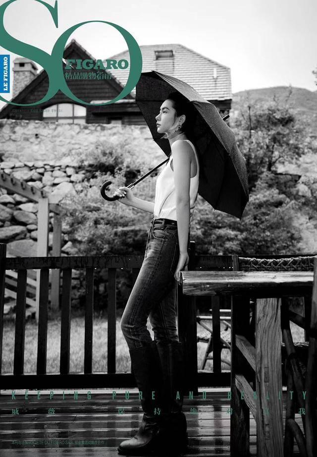 不愧是时尚咖七哥,戚薇多种风格造型随意切换,表现力十足