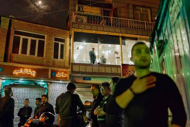 股票配资             传统与现代撕裂,宗教背景下伊朗的两副面孔