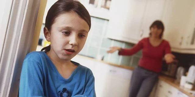 原创为什么孩子越长大越爱顶嘴?想让孩子变乖,家长要先从自身找问题