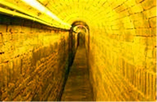"""中国有一座""""地下长城""""?700多年才被发现,内部全是军事机密!"""