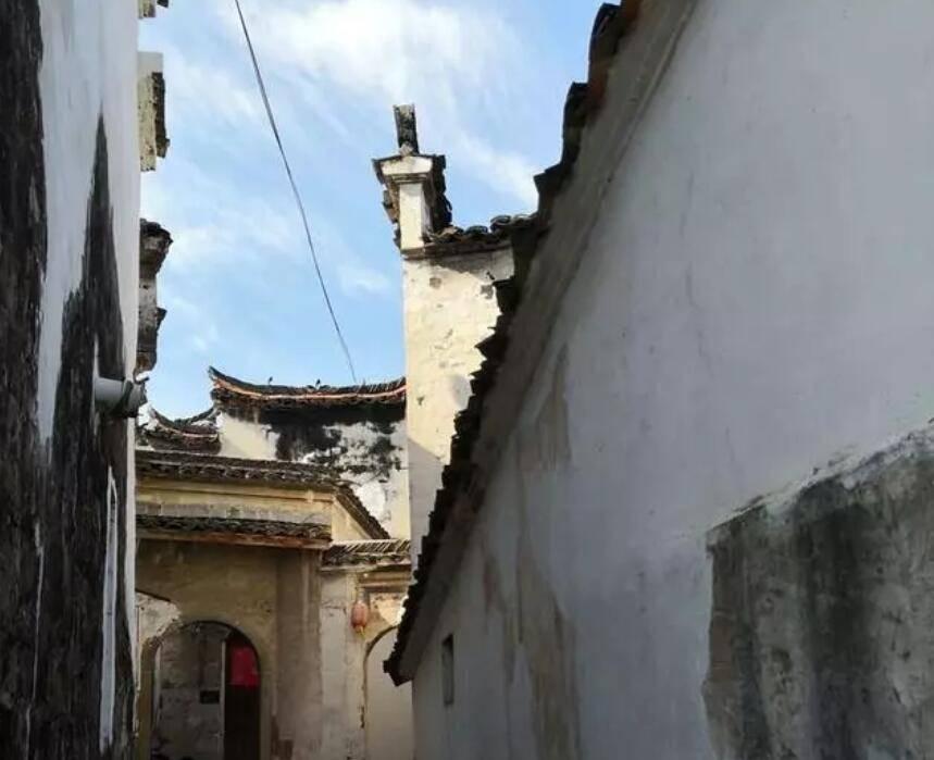 原创             浙江龙游泽随古村修旧如旧,在白墙黛瓦间寻找美景