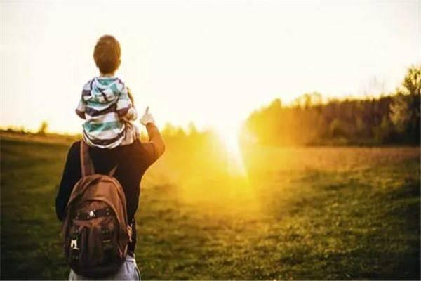 陪伴孩子成长,家长要明白,见过世面的孩子,会比普通人更厉害