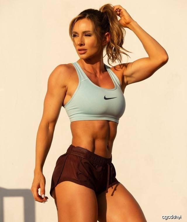 33岁健身达人,肌肉明显又不失曲线,训练计划值得借鉴_Paige 高级健身 第4张
