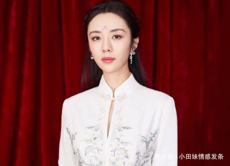 她是陈赫的同班同学,被金牌编剧一眼相中,和胡歌合作后成名