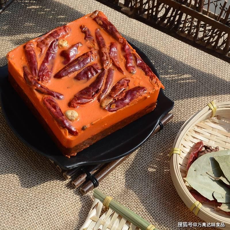 黄油:它可以将汤放在厚厚的暖锅里保持