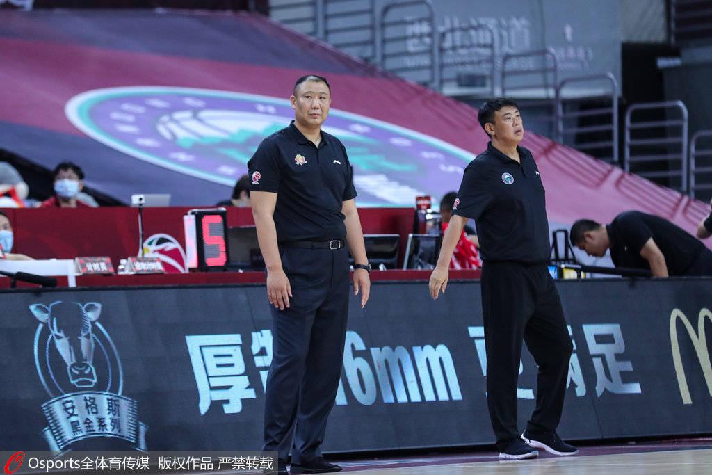 王晗:山东队内线比较强 防守打反击是吉林的优势