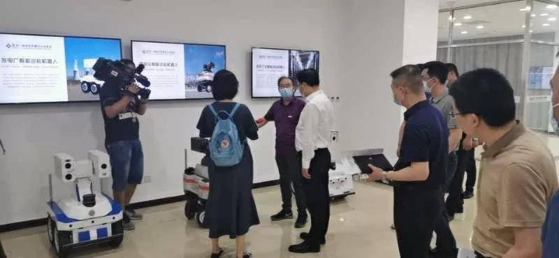 天津市武清区区长倪斌一行参访随锐集团人工智能新产品试制与测试基地