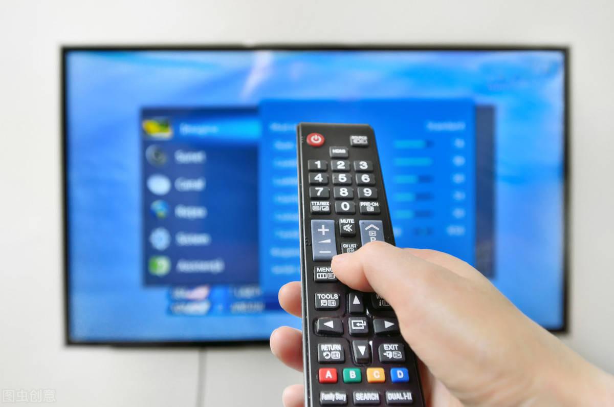 酒店的电视总是被闲置?学会这三种电视玩法,健身娱乐两不误!