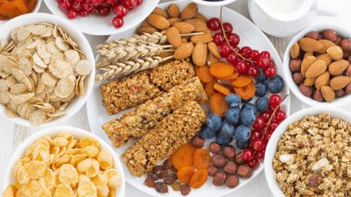 宝妈吐槽老人给孩子准备很多零食,专家:零食不能代替正餐!
