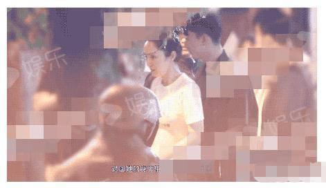 「高云翔」疑恋情曝光,难怪和高云翔见面避嫌董璇与小11岁男星牵手出街