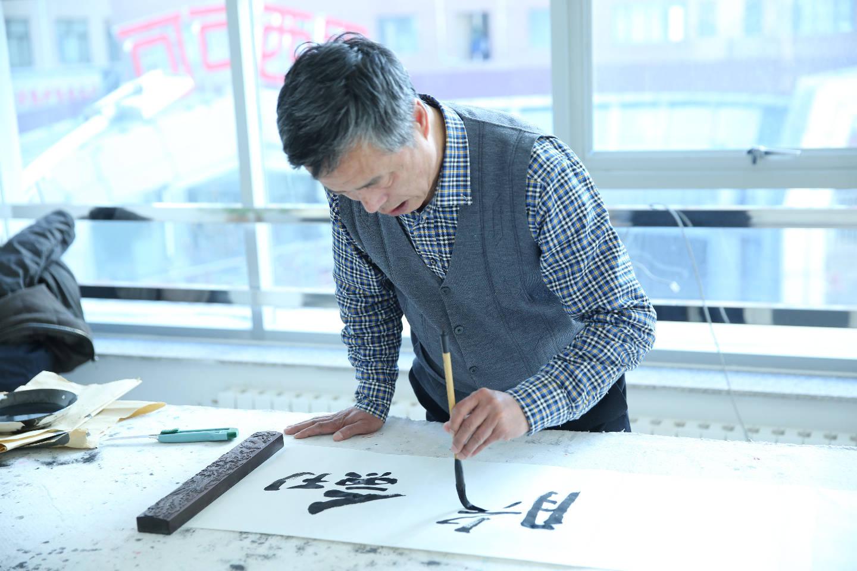 傅建增:中国当代书法在继承传统文化上还不够