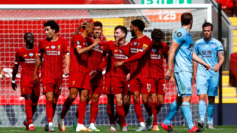 英超-飞翼头球破僵 萨拉赫连遭神扑利物浦半场1-0