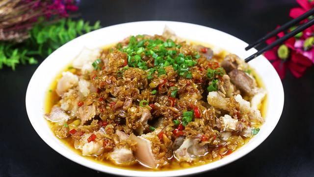 """大厨教你做开胃又下饭的""""黄豆蒸猪脚""""猪蹄Q弹,入口软烂,真香"""