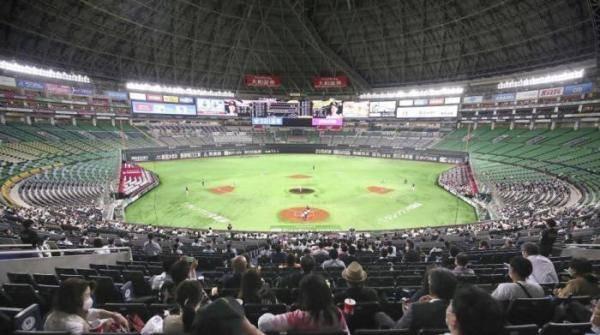 日本足球棒球联赛允许球迷进场禁止唱歌呐喊助威行为