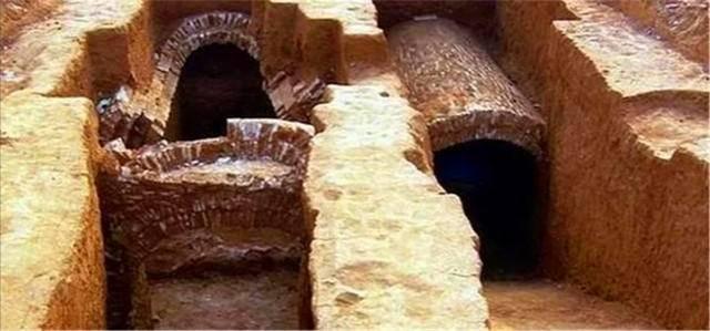 """原创            考古遇到离奇事件:湖北出土2000年古墓,里面爬出""""千年""""乌龟"""