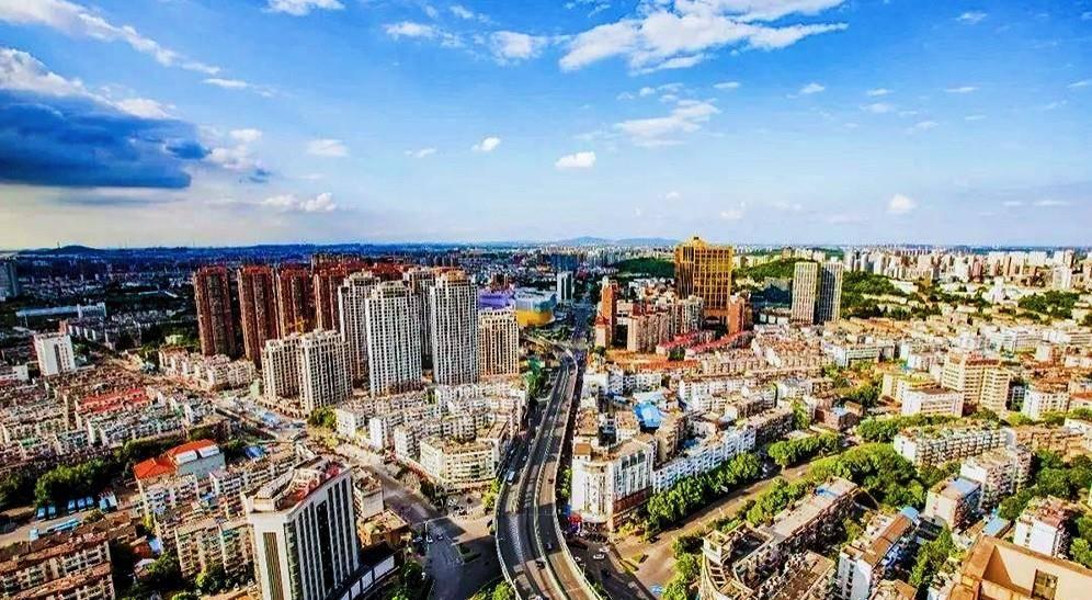 经济总量最低的国家中心城市_2015中国年经济总量