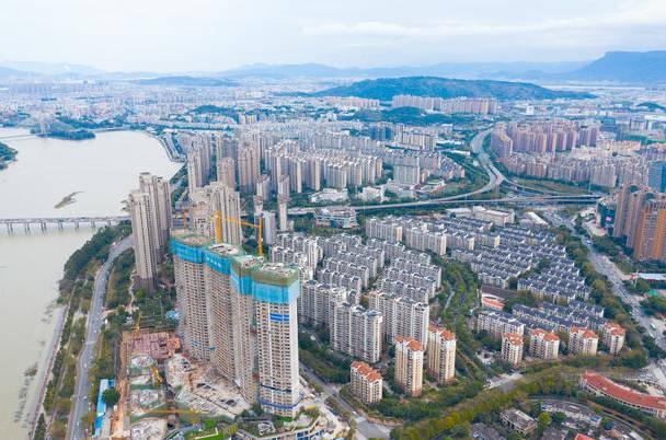 天津房价1平米降5000元 天津发放假发生了什么?