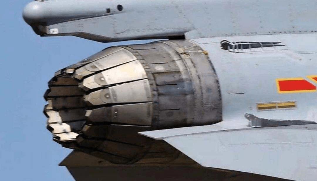 双管齐下!歼20鸭翼设计刚获奖,矢量发动机技术再突破