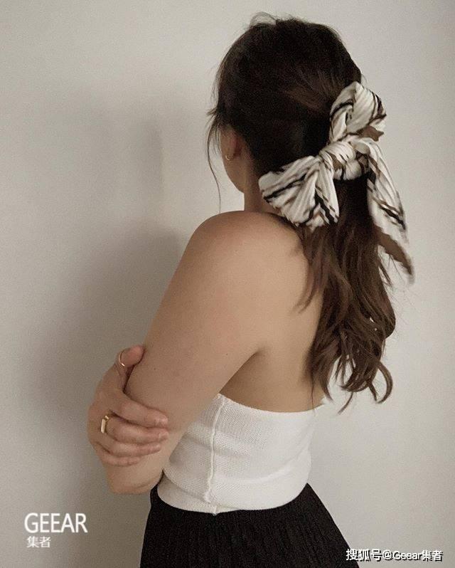 原创简单完成质感造型:这个夏天跟时尚博主学戴这5个发饰!