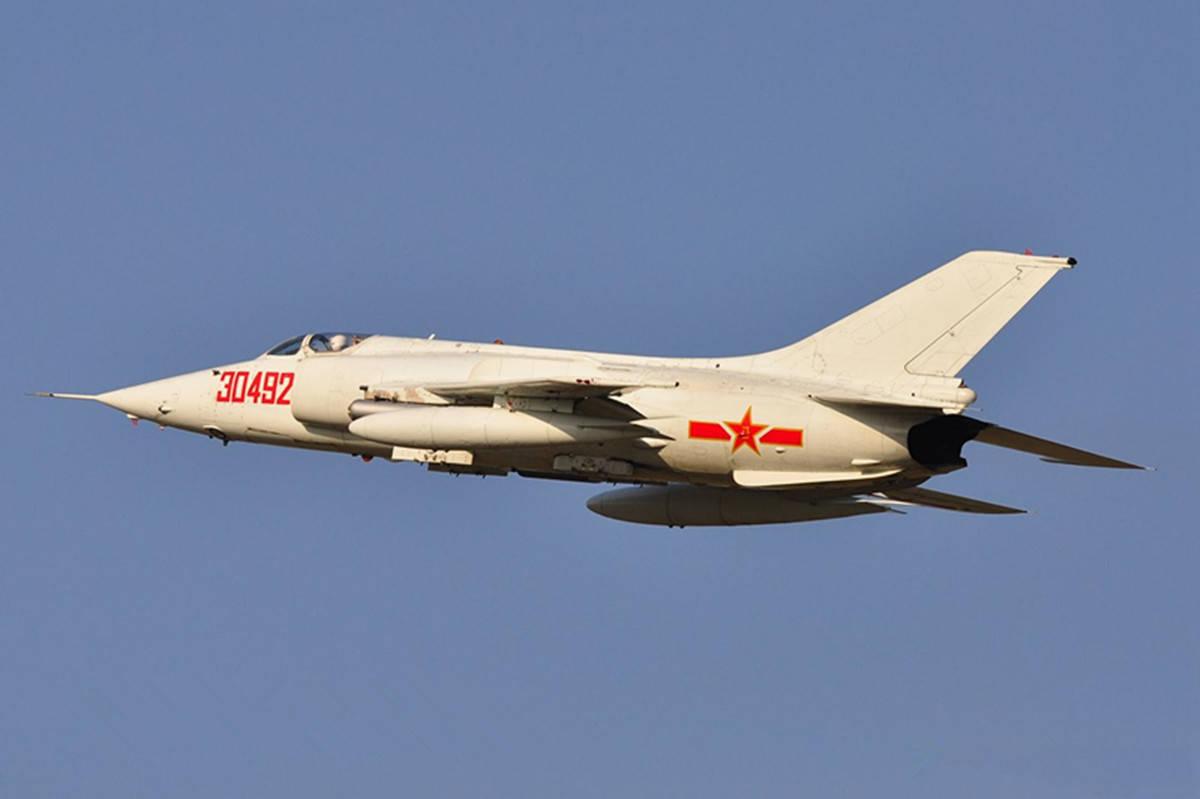 我国现役唯一强击机,对地打击能力强悍,还可投掷10万吨当量氢弹