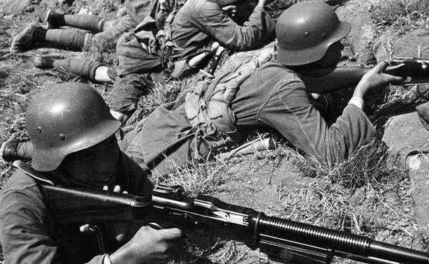 打赢日本人的第一人!令日军头疼不已,曾说过敷衍他们不用讲人道 中