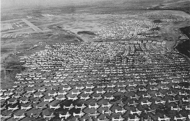 二战结束时美国经济总量_美国二战战斗机