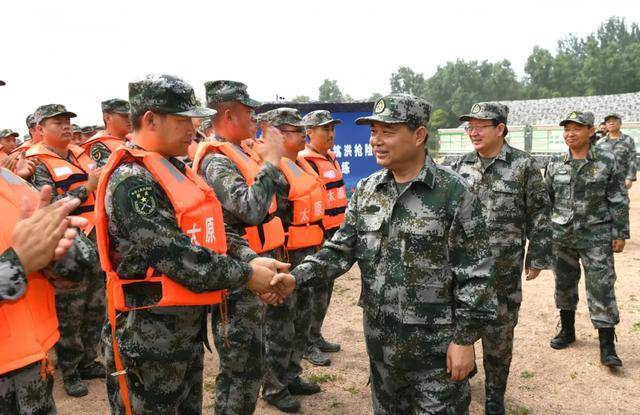 太原:罗清宇李晓波等市党政军领导参加军事日活动