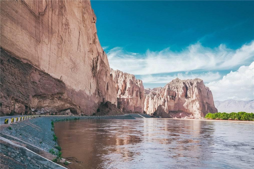 不去美国也能假装在美西?西北最火小众峡谷,离兰州开车仅2.5h
