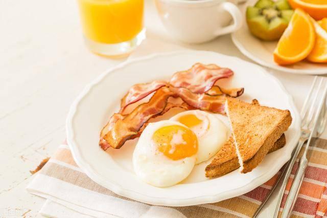 每天早起后,坚持5个燃脂小习惯,让你代谢更旺盛,轻松瘦下来