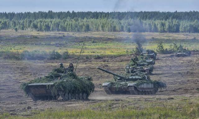 大选即将来临!白俄罗斯国防部开始动员,大批军队开往俄罗斯边境