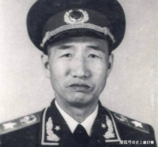 因口音过重,蒋认为他是个无用之才,最终反成为蒋最难对付的人