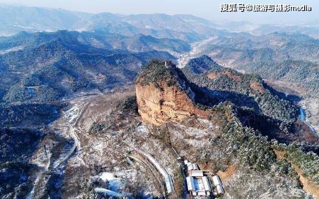 中国最土豪的景区,山上现金高达百万,却没有人敢拿走?