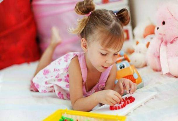 """原创5岁女儿吃饭没食欲,医生检查后让其""""摘下项链"""",宝妈:她没戴"""