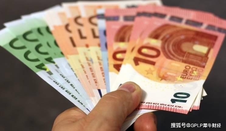 华安中证银行指数分级、华安CES港股通精选100ETF净值仍低于1元/份