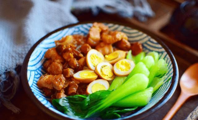 电竞竞猜_ 自制台式卤肉饭 家常做法超简朴 1分钟学会 吃起来相当过瘾!