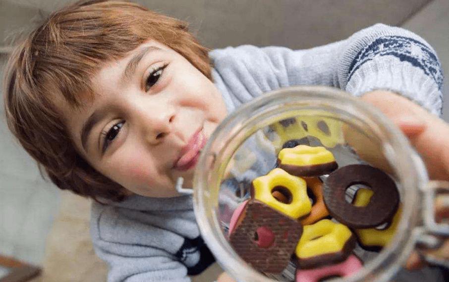 这些食物影响儿童身高,却也是家长们最喜欢给孩子做的,别坑娃