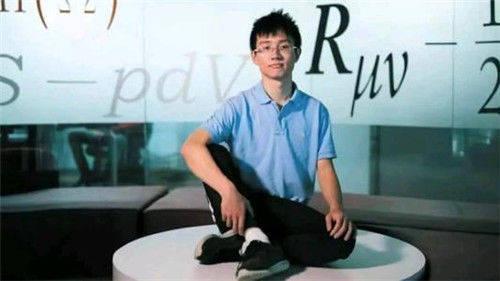 原创四川95后天才少年,果断拒绝美国绿卡:我是中国人,我要回中国