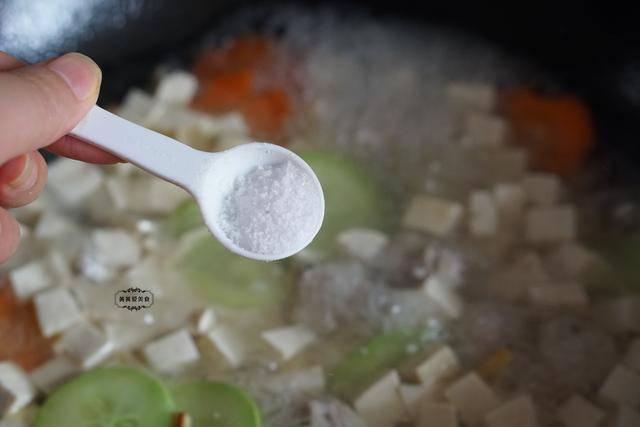 七夕将至,女人要多喝这汤,养颜润燥人更美,精神饱满过秋天