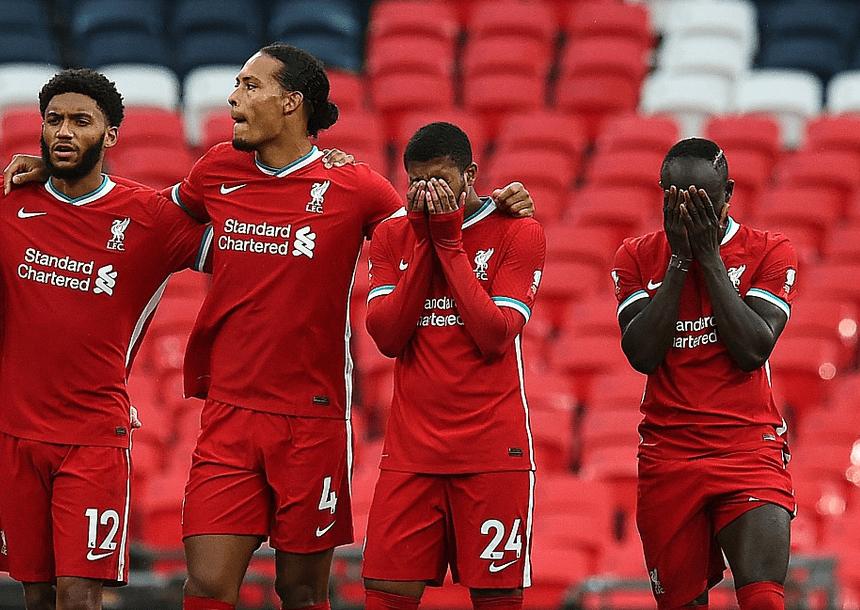 利物浦2小将交学费!低级失位致丢球 关键点球罚失