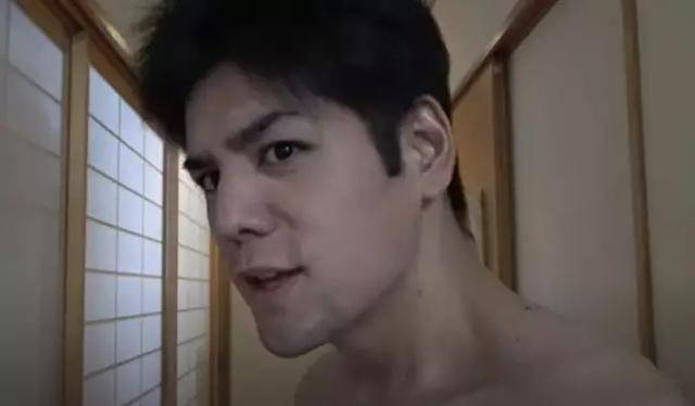日本小哥网络走红,一年减掉半个自己,274斤肥宅脱胎似明星